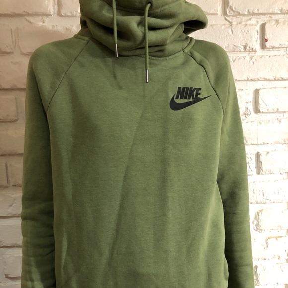 1d5a9bee85e6 Nike pullover hoodie. M 5bfca7ae0cb5aa786710fa65